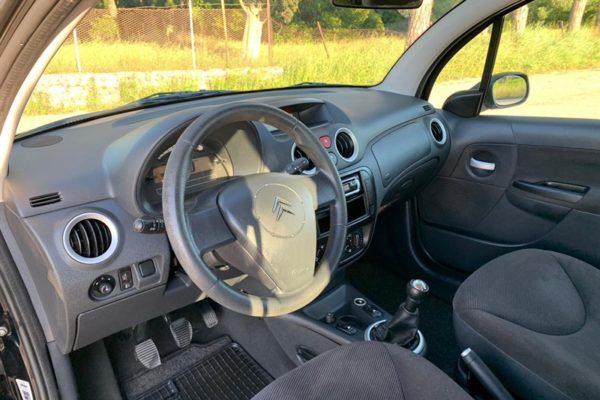 auto c3 nera volante